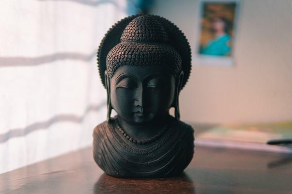 Nằm mơ thấy Phật A Di Đà, Phật Bà Quan Âm và 11 điềm báo, ý nghĩa, mơ thấy phật đánh con gì, số mấy?