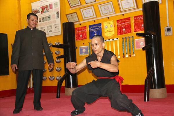 Để có thể được truyền tuyệt học võ công tại phòng này, võ sư phải có 15 năm tu tập