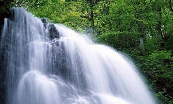Người sinh năm 1974 mệnh gì tuổi con gì, nam nữ sinh năm 1974 (Từ 23/01/1974 đến 10/02/1975) mang mệnh Thủy - Đại Khê Thủy (Nước khe lớn)