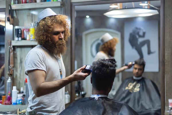 Mơ thấy cắt tóc đánh con gì chính xác, những con số nào gắn liền với giấc mơ thấy cắt tóc kỳ lạ này?