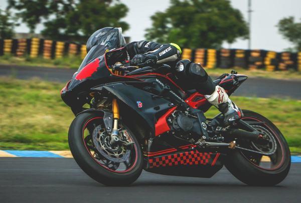 Xe môtô chính là xe máy theo cách gọi của phần đông người sử dụng hiện nay.