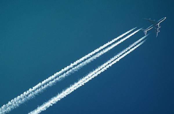 Mơ thấy máy bay xếp thành đội hình đẹp mắt