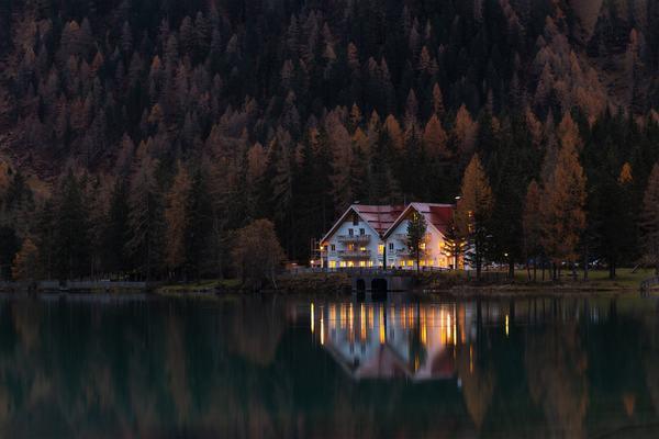 Nằm ngủ mơ thấy nhà có ý nghĩa tâm linh gì?