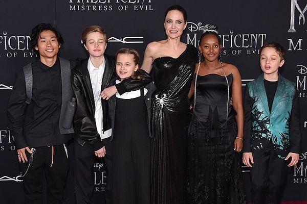 Tiểu sử Angelina Jolie và Góc khuất cuộc đời đầy thăng trầm