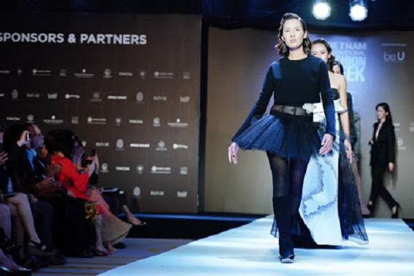 Tuần lễ thời trang Thu - Đông Paris 2005