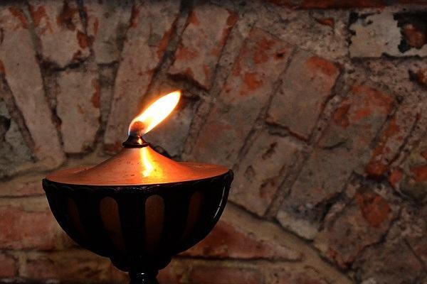 Tử vi mệnh Phúc Đăng Hỏa (Lửa đèn dầu) 1964 2024 - 1965 2025 mang ý nghĩa gì, hợp mệnh nào?