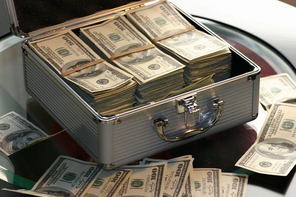 Chiêm bao thấy mình mất một khoản tiền lớn tốt hay xấu?