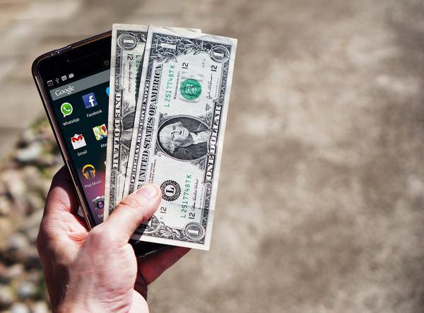 Nằm mơ mất tiền và điện thoại là hên hay xui?