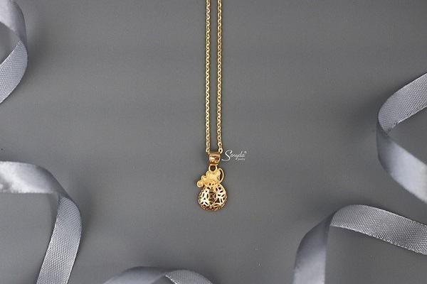 Nằm mơ thấy dây chuyền vàng, bạc hay được người khác cho dây chuyền, đeo dây chuyền vàng mang ý nghĩa gì?