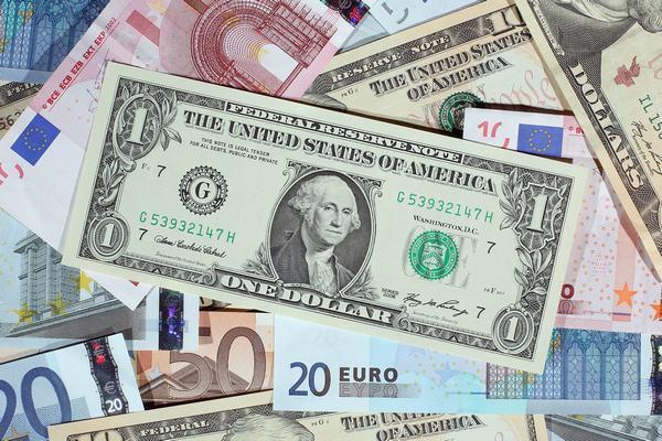 Giải mã giấc mơ thấy được cho tiền có ý nghĩa gì?