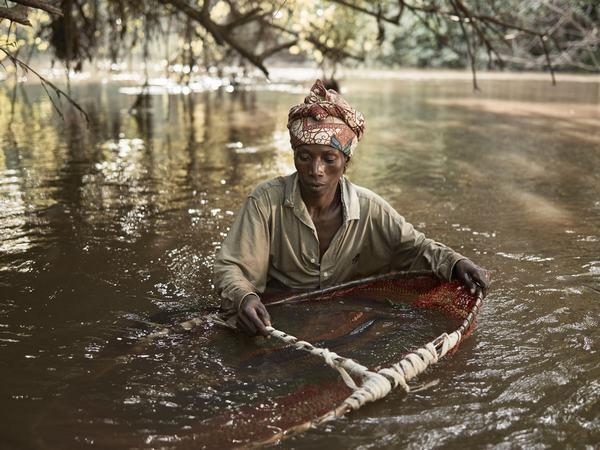 Nằm mơ thấy mình đang lội trong làn nước trong vắt báo hiệu một tình duyên tuyệt vời